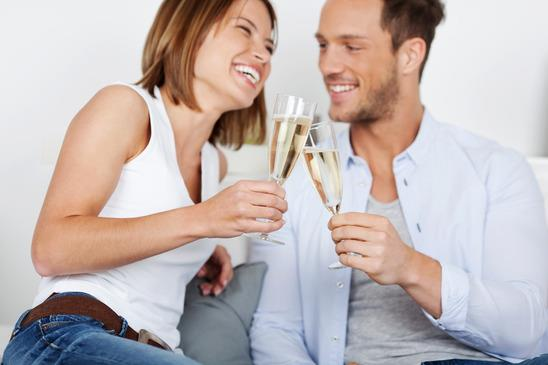 Best Ways To Ask A Woman On A Date and Hear Yes