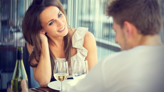 What to talk about with a girl on first date