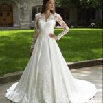 Tying The Knot? 5 New Wedding Gown Trends You May Be Interested In