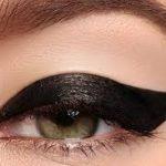 Nails and eye shadow make up tricks  to make you more glamorous!