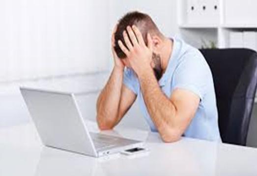 Easily Avoidable Errors Men Make When Dating Online