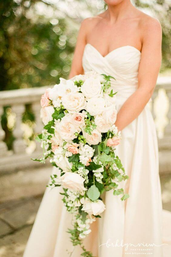 Which flowers are best to buy for a wedding